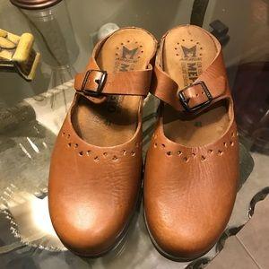 Mephisto closed toe leather clogs